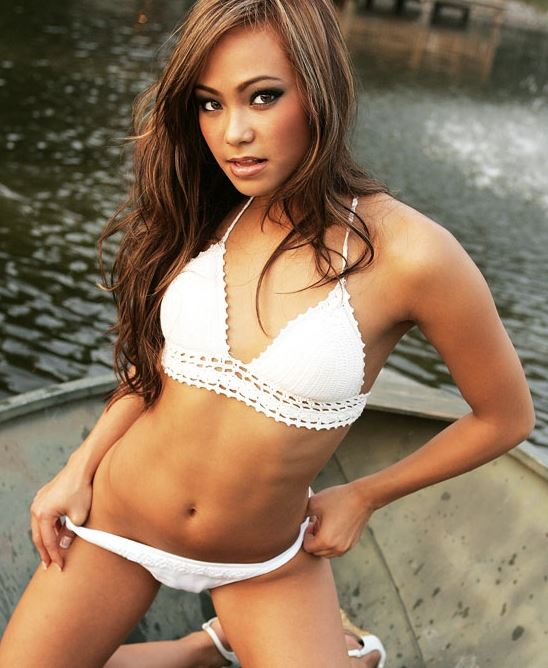 Ufc Signs Karate Hottie Michelle Waterson Nsfw Photo Gallery on Latest Writing A Bio