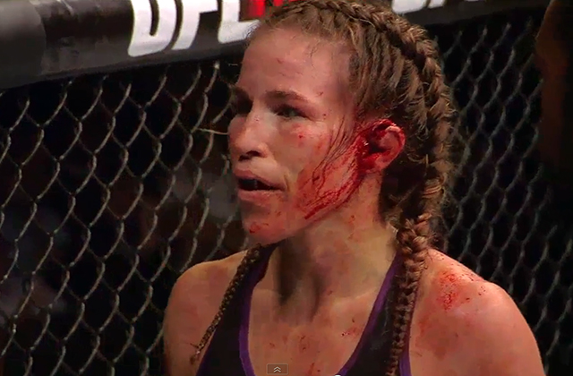Leslie Smith, Two female UFC fighters beat up pervert outside club