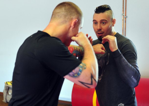 UFC 'Outlaw' grapples with KMC personnel in Ramstein 'combatives' session