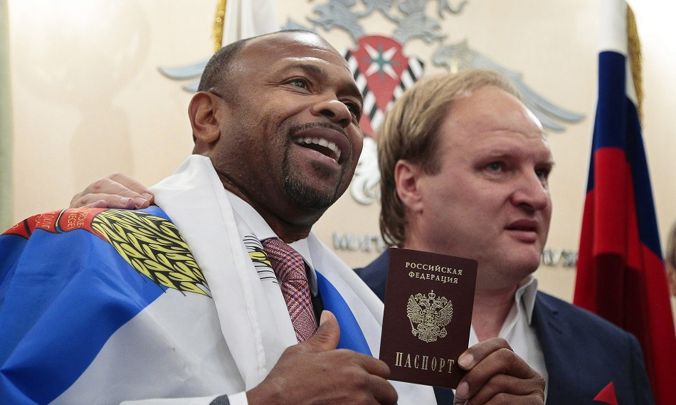 Roy Jones Jr officially becomes Russian citizen