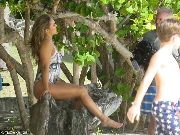 Ronda Rousey leaked photos, Ronda Rousey body paint
