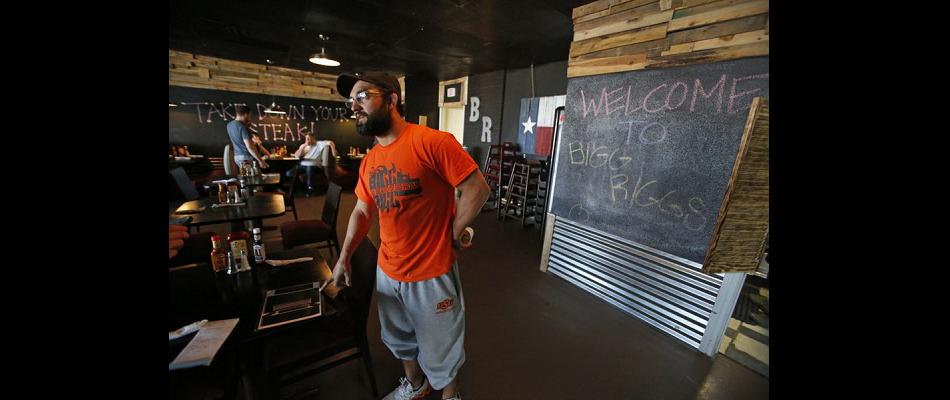 Former UFC champ, Johny Hendricks closes failing business