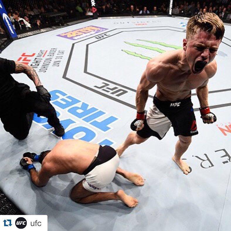 Technique of the Week: UFC 's Chris Wade's Headlock Throw