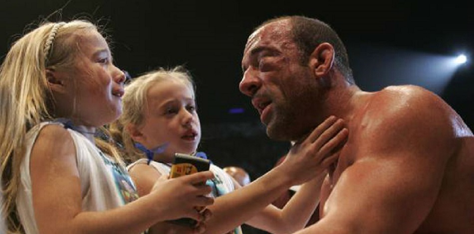Fedor defeats Mark Coleman