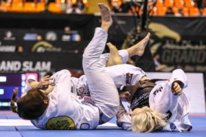 Mackenzie Dern Beats Meagan Green at Female Black Belt division finals