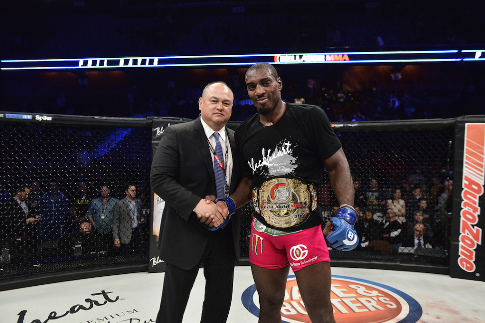 Phil Davis captures first major MMA world title at Bellator 163