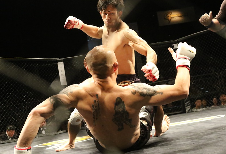 Are the Odds Better on MMA or Casino Betting?