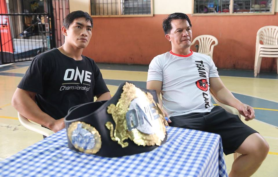 Eduard Folayang to defend ONE Championship lightweight title against Ev Ting