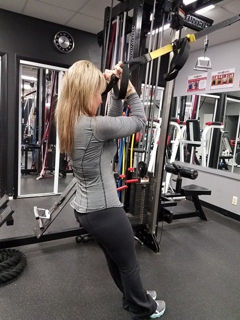 Jessica doing Trx Curls