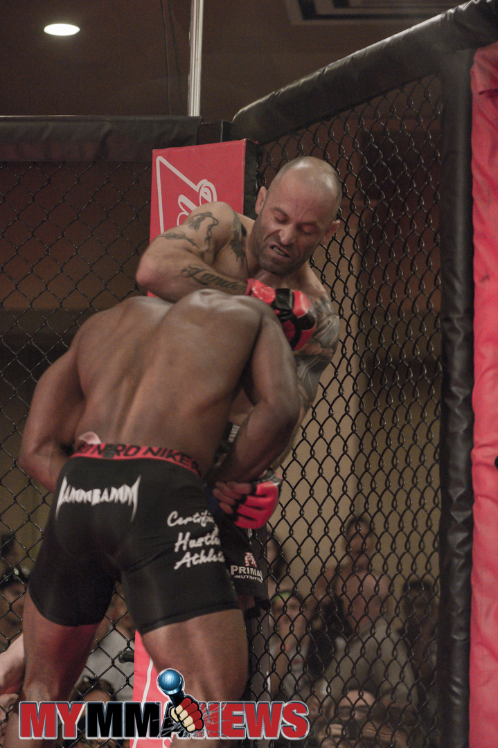 Will Martinez vs. Sharif Jones – Art of  War Cagefighting 2