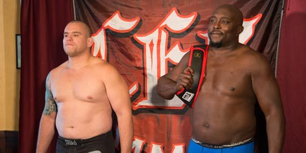 Heavyweight Title: Juliano Couthinho 7-3 (263.0) vs. (C) Ashley Gooch 10-5 (264.0)