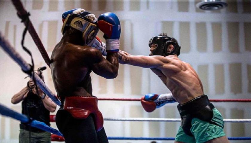 Why Floyd Mayweather Should Fear Conor McGregor's KO Threat