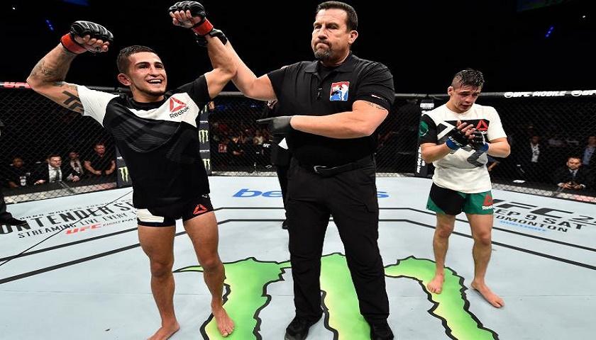 Sergio Pettis beats Moreno in Mexico City