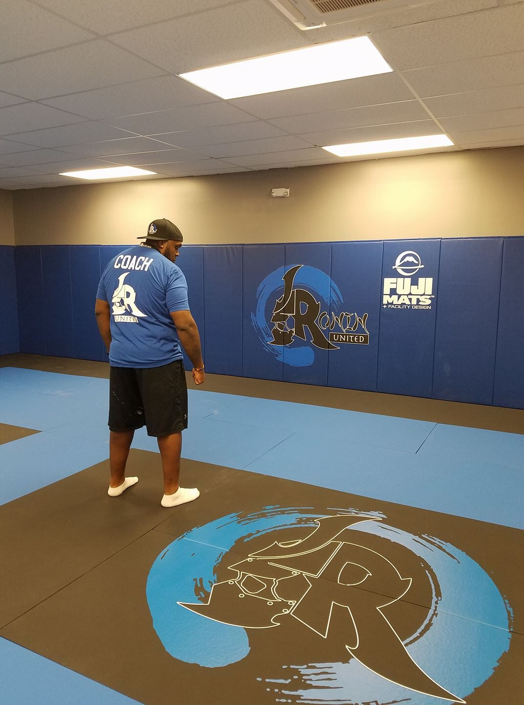On September 23, 2017, Ronin MMA launches their soft-opening for the newly created mixed martial arts gym located in Franklin Square, New York.