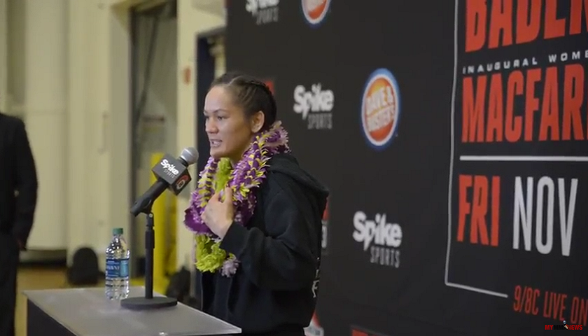 Ilima-Lei Macfarlane breaks out in song after winning flyweight championship