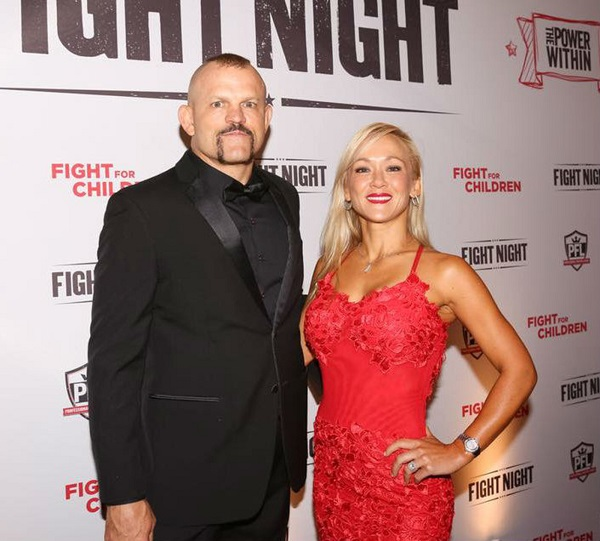 Chuck Liddell Saves Christmas