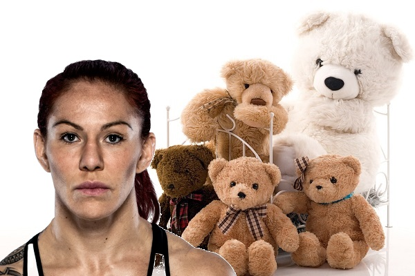 Cris Cyborg collecting teddy bears for children in Las Vegas hospital, deliver after UFC 219 title fight