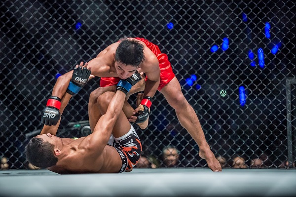 Geje Eustaquio wins ONE interim flyweight title with win over Kairat Akhmetov
