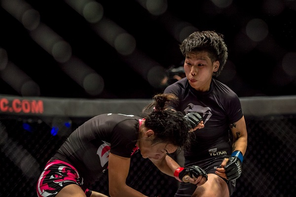 Xiong Jing wins inaugural ONE Championship strawweight title with TKO win