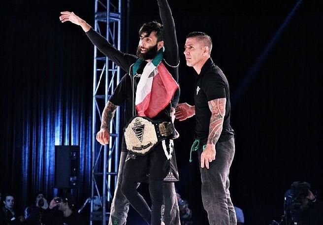 Geo winning the Bantamweight belt