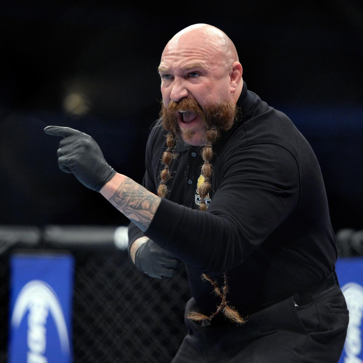 Referee Mike Beltran