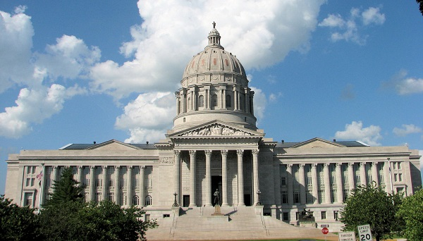 Missouri Moving To Regulate Kickboxing, MMA, Ban 17 & Under From Participating