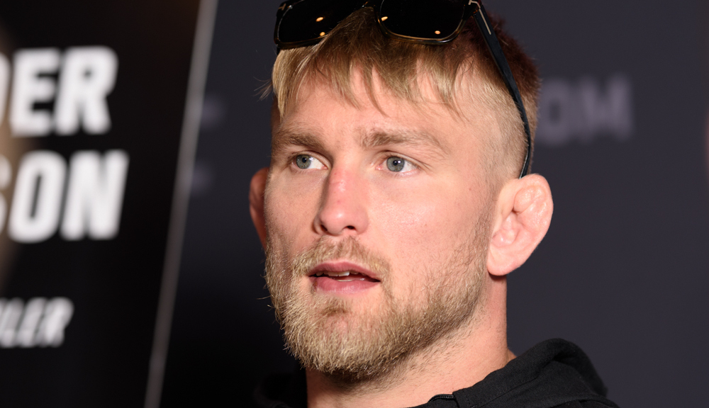 Alexander Gustafsson signs new UFC deal