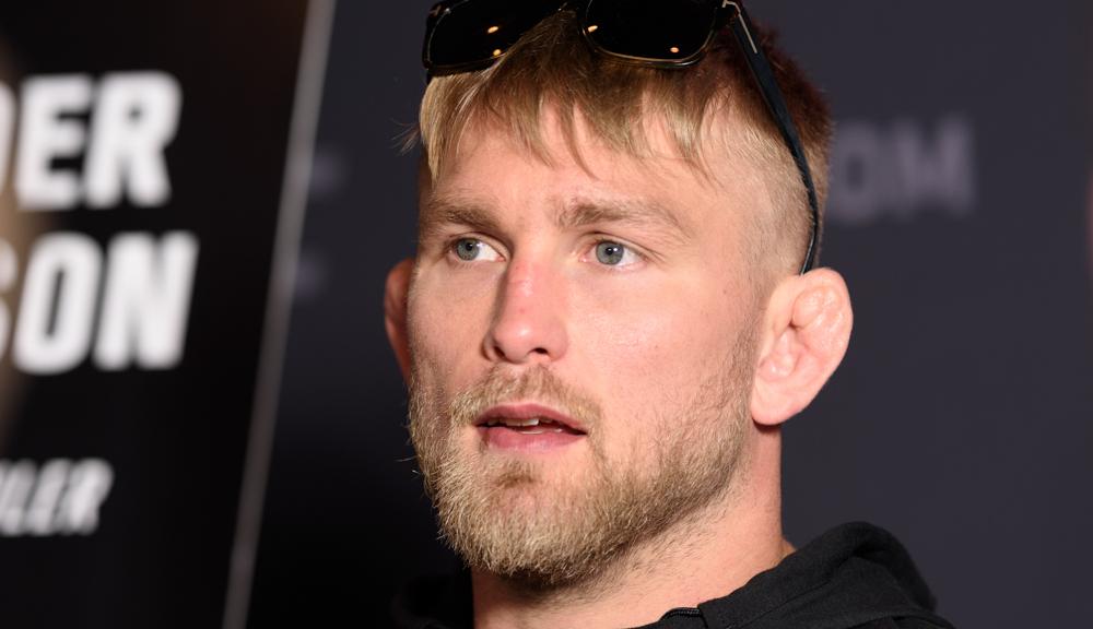 Alexander Gustafsson signs new UFC deal