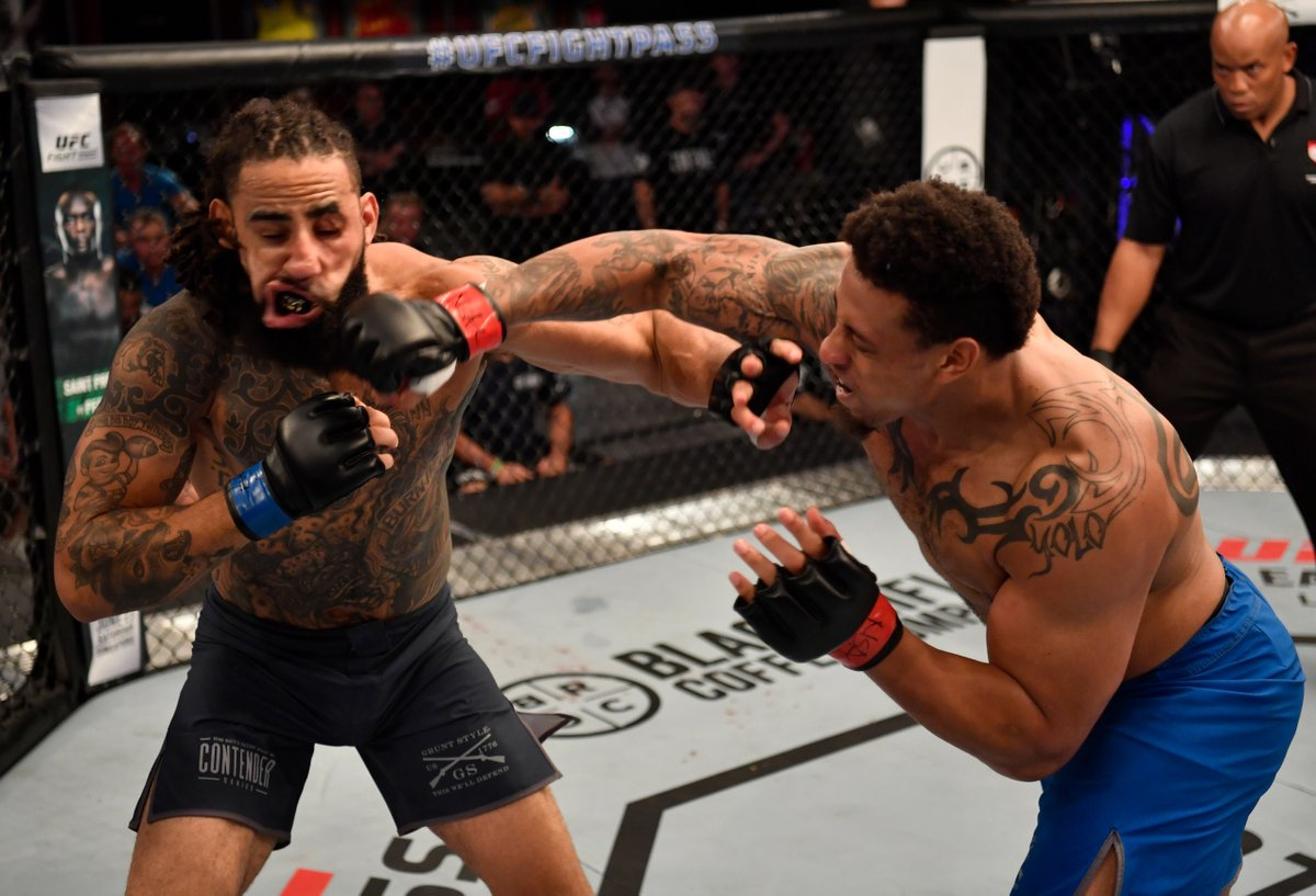 Former NFL player Greg Hardy signs with UFC after BLISTERING knockout