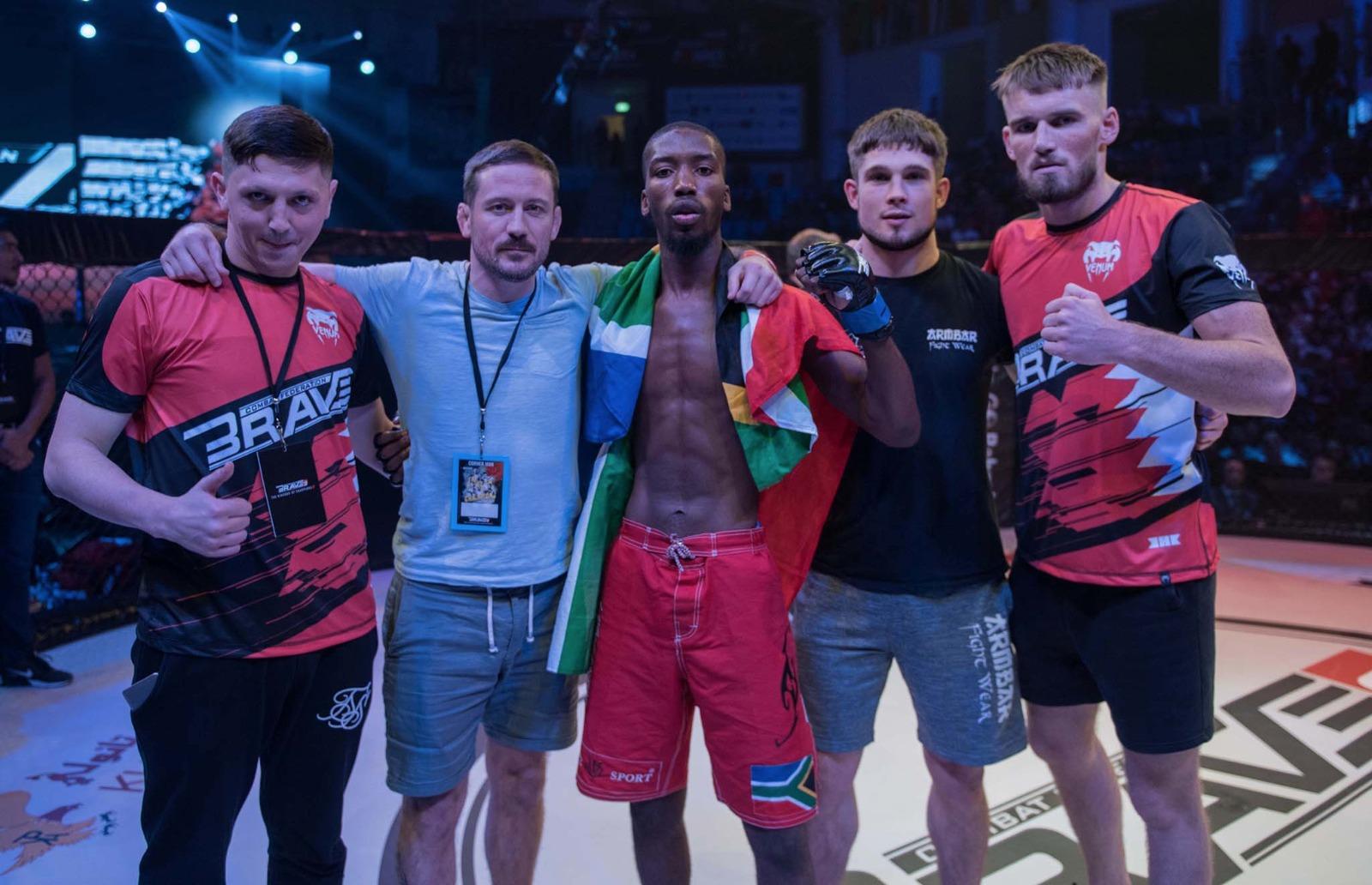 John Kavanagh praises Mlambo's commitment ahead of Brave title fight