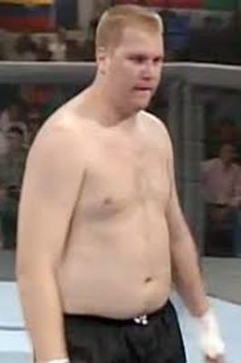 Jon Hess, UFC 5