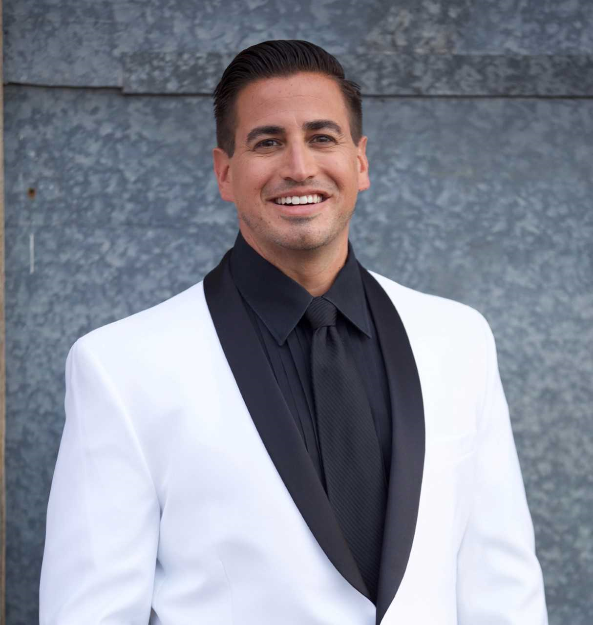 Lion Fight introduces Justin Roberts as new ring announcer