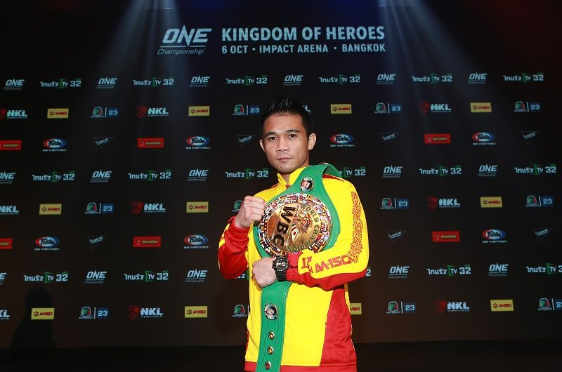 Peculiar meal leaves big smile on Srisaket Sor Rungvisai's face