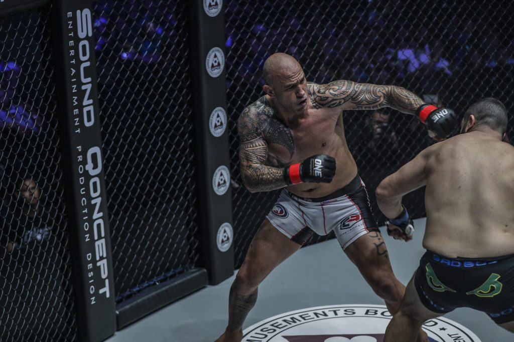 Brandon Vera knocks out Mauro Cerilli, retains ONE heavyweight title