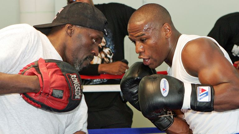 Former boxing champion Roger Mayweather, Floyd's uncle, dead at 58