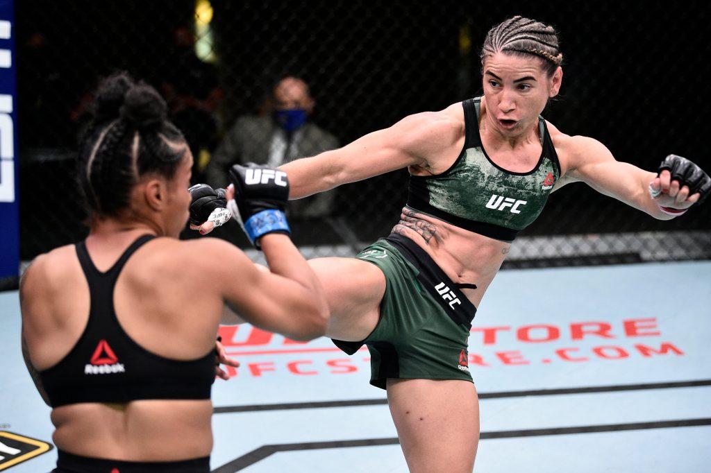 Tecia Torres snaps four-fight losing streak by defeating Brianna Van Buren