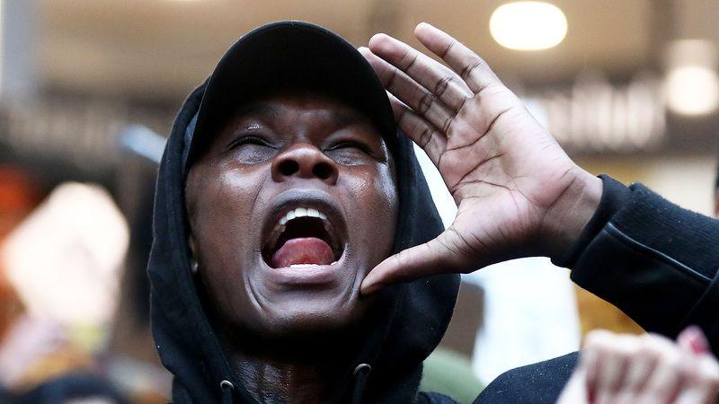 Israel Adesanya speaks at George Floyd protest in New Zealand