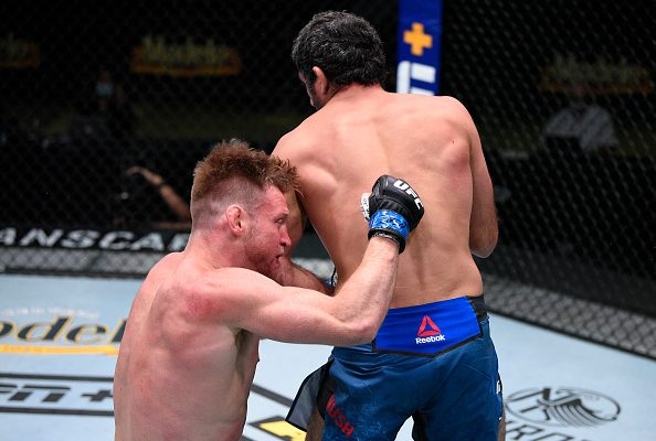 Beneil Dariush gets highlight reel KO win over Scott Holtzman