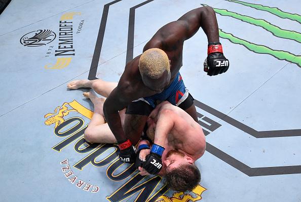 Derek Brunson derails Edmen Shahbazyan hype train, UFC Vegas 5