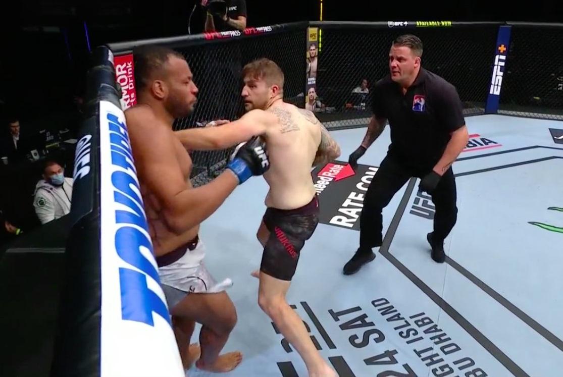 Chris Daukaus violently finishes Rodrigo Nascimento in just 45 seconds at UFC Fight Island 5