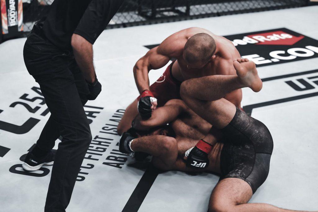 Tom Breese breezes through Bhullar with first round TKO