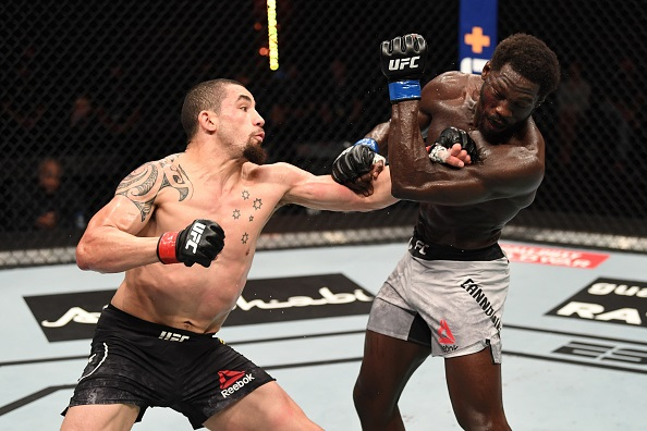 UFC 254, Robert Whittaker outlasts Jared Cannonier in unanimous decision win