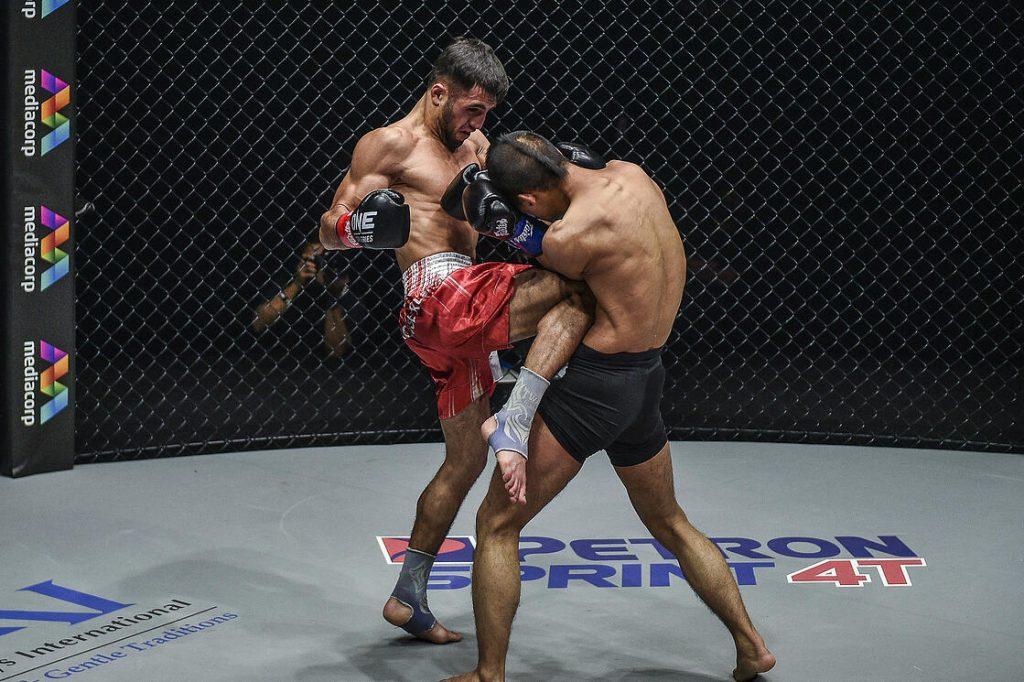 Aslanbek Zikreev Takes Close Split Decision Victory Over Wang Junguang
