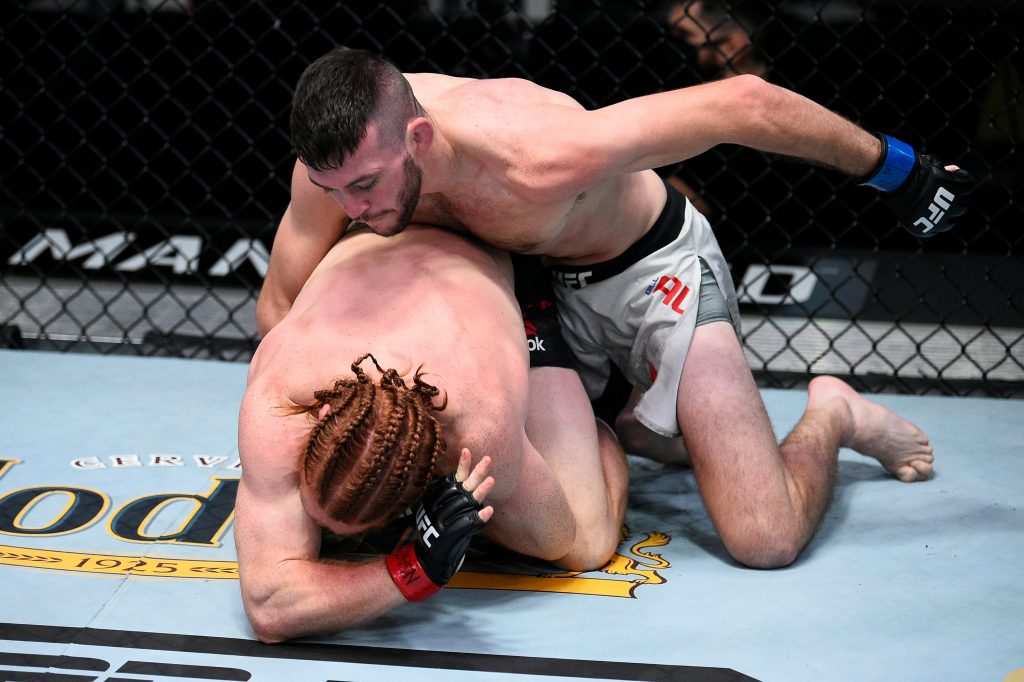 Bill Algeo gains first UFC victory with a strong performance over Spike Carlyle