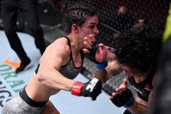 Mackenzie Dern wins close decision over Virna Jandiroba at UFC 256
