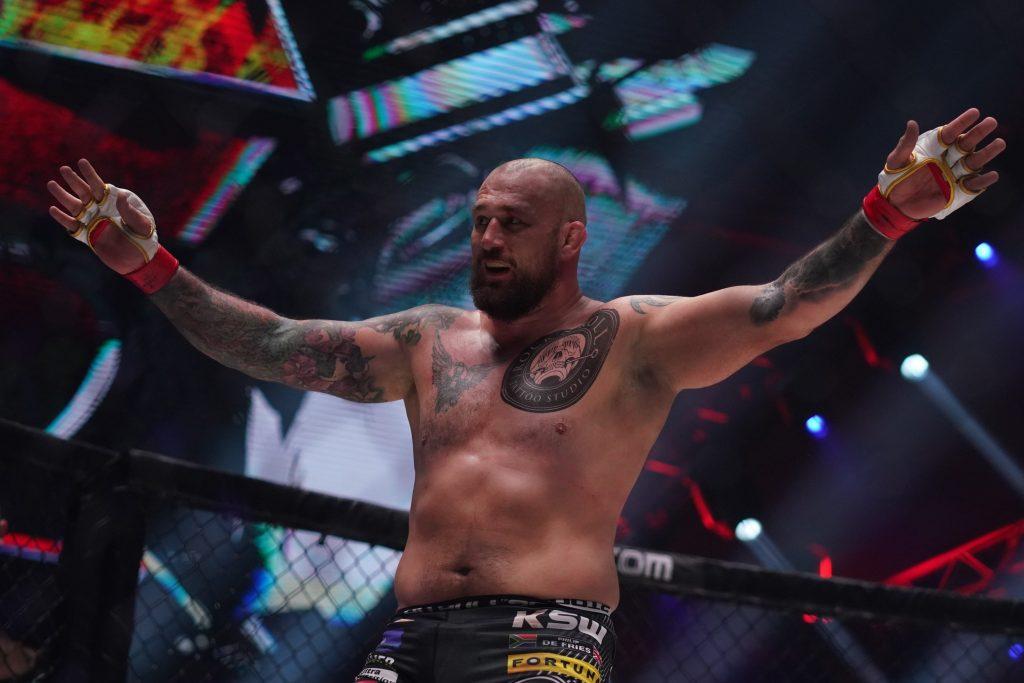 Phil De Fries retains heavyweight title in KSW 57 headliner