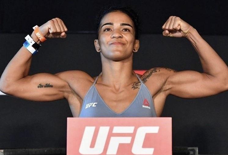 Viviane Araujo takes fight to Roxanne Modafferi, wins unanimous decision
