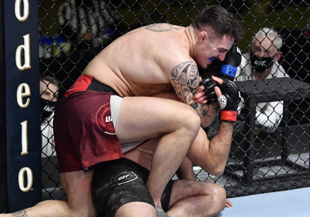 Tom Aspinall submits Andrei Arlovski in round two to retain one hundred percent finishing rate