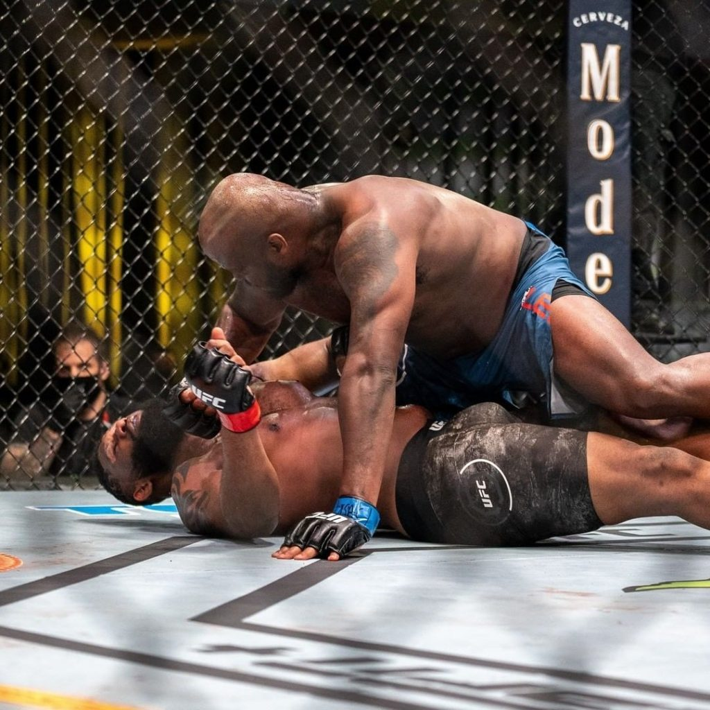 Derrick Lewis starches Curtis Blaydes with a comeback KO, UFC Vegas 19