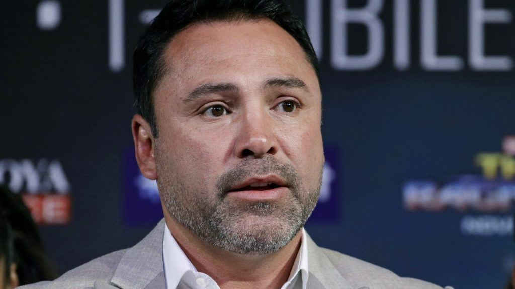 oscar de la hoya returns